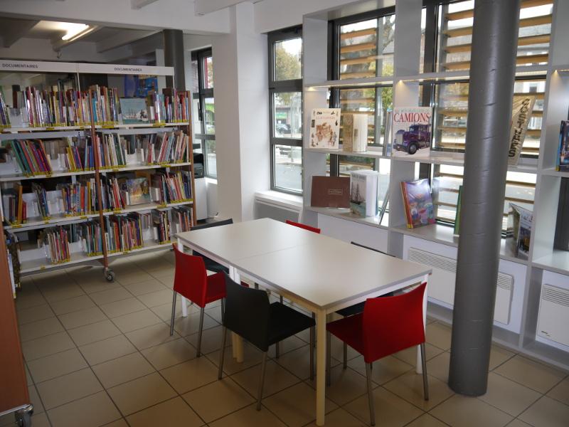La bibliothèque du Chambon